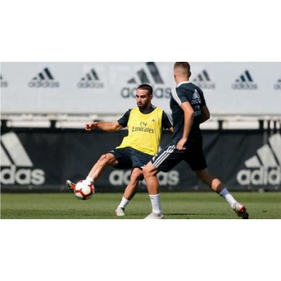 Real Madrid's Dani Carvajal kunne være klar til Madrid derby